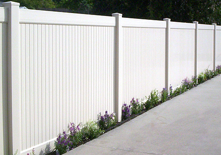 White Vinyl Privacy_Mission Viejo_CA